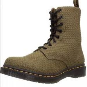 Dr Martens  Page WC boots